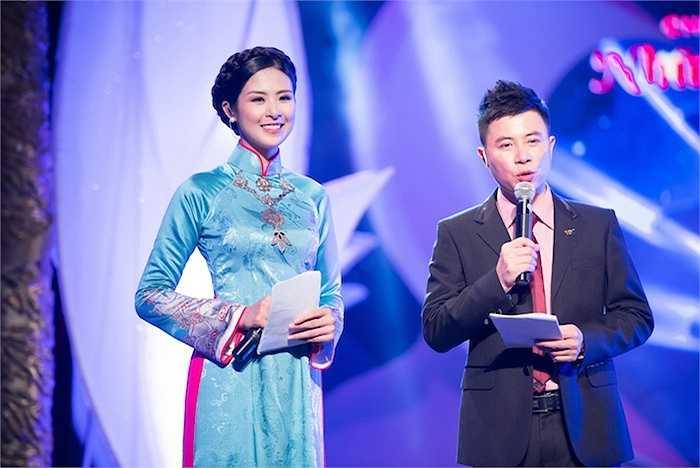 Xuất hiện trong chương trình 'Những trái tim đồng cảm lần thứ 7',  Ngọc Hân đảm nhiệm vao trò đại sứ thiện chí và MC của chương trình cùng nam MC quen thuộc Lê Anh.