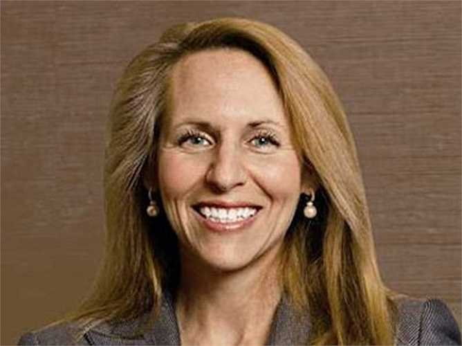 Carol Meyrowitz, công ty TJX, tiền lương 23,3 triệu USD: Tiền lương của bà tăng 13% trong năm ngoái, lợi nhuận của công ty này đạt 2,22 tỷ USD khi năm tài chính kết thúc 1/2015