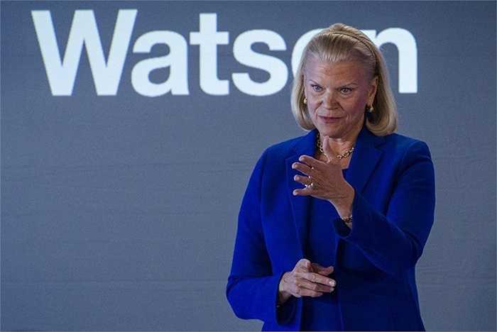 Virginia Rometty, CEO của IBM, tiền lương 17,9 triệu USD tăng 28%. Bà làm việc cho IBM từ khi 25 tuổi và hiện đang phát triển đám mây, công nghệ an ninh