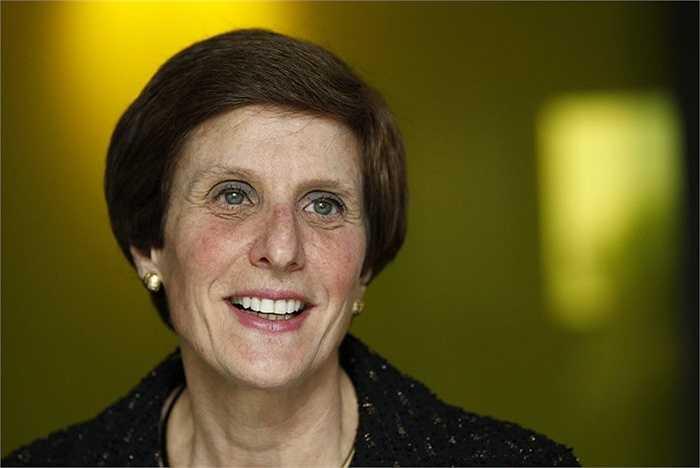 Irene Rosenfeld, CEO của Mondelez International, tiền lương 15,9 triệu USD tăng 14%