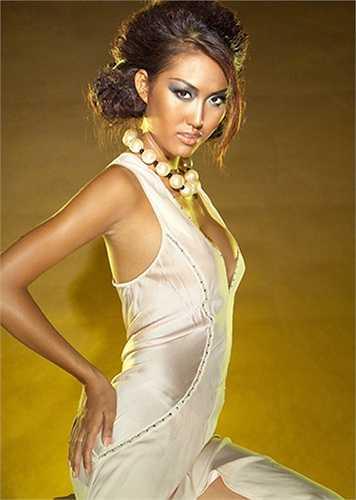 Phi Thanh Vân là một trong những người đẹp hiếm hoi của showbiz Việt dám công khai thừa nhận mình phẫu thuật thẩm mỹ.