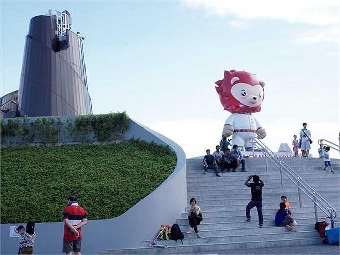 Linh vật SEA Games 28 - Nila được làm bằng một khinh khí cầu khổng lồ.