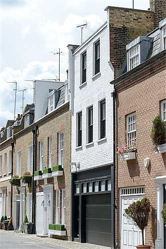 Ẩn mình trên một đường phố yên tĩnh Knightsbridge (Anh), căn nhà một phòng ngủ đang được rao bán với giá 3,75 triệu bảng Anh