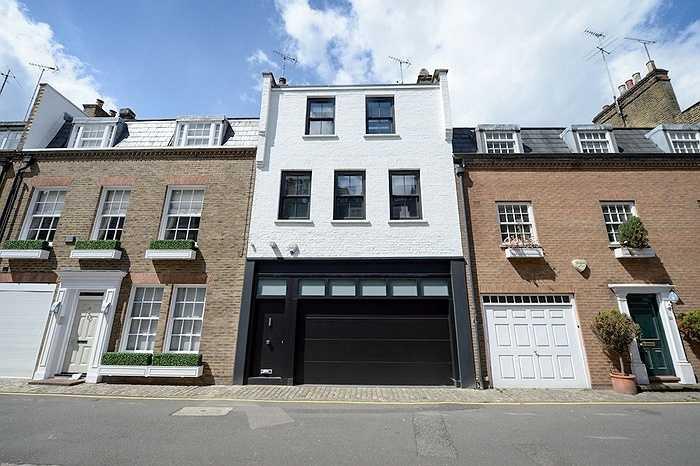 Tòa nhà cao 3 tầng với 1 phòng ngủ, được bán với mức giá đó đã cao gấp 10 lần giá nhà trung bình ở London