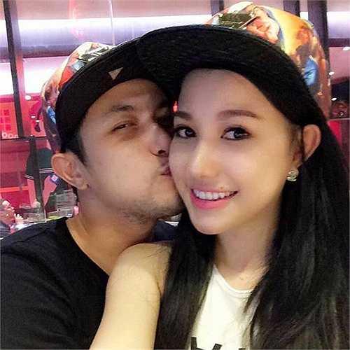 Sau cuộc tình ồn ào với Tâm Tít, anh trai của nữ ca sỹ Bảo Thy - Thế Bảo đã tìm được bến đỗ mới bên hotgirl Minh Thảo.