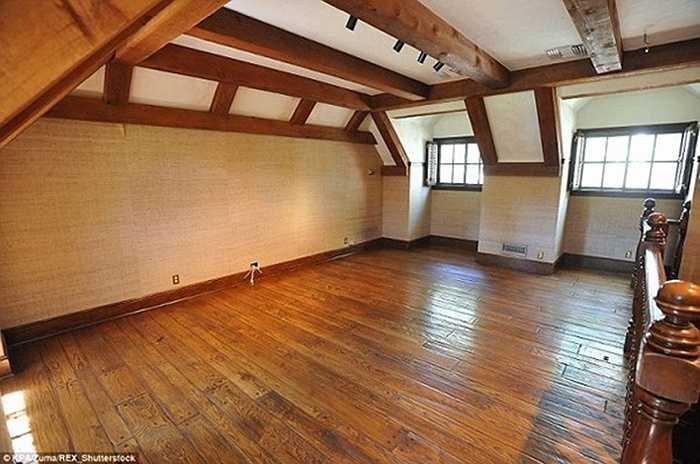Tầng thứ 2 trong phòng ngủ 2 tầng của Michael Jackson.