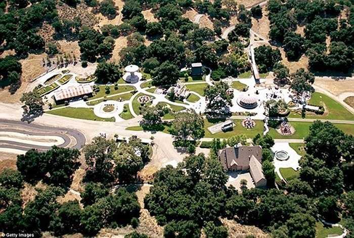 Công viên giải trí mà Michael đã xây dựng trong hình ảnh chụp năm 2003.