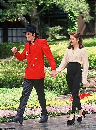 Nơi đây đã từng là tổ ấm của Michael và Lisa Marie Presley, trước khi họ ly hôn vào năm 1996.