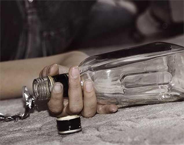 Theo Tổ chức Y tế Thế giới, có  3,3 triệu ca tử vong trong 1 năm do lạm dụng rượu, trên thế giới, nguyên nhân của 5,9 % các trường hợp tử vong.