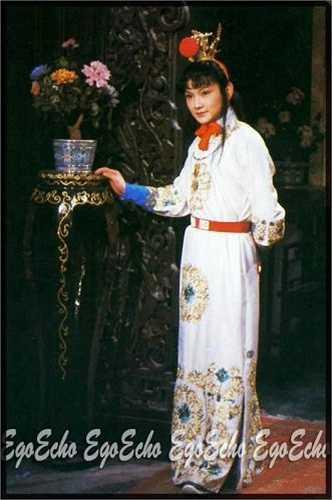 Người trang điểm cho các nhân vật trong bộ phim này chính là Dương Thụ Vân, chuyên gia tạo hình hóa trang và là nhà nghiên cứu văn hóa nhà Đường.
