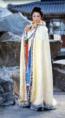 Trang phục mùa đông của Tần Nhi (tên ngày nhỏ của Đại Ngọc).