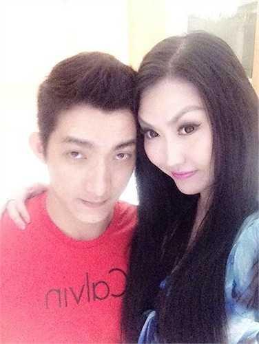 Phi Thanh Vân khẳng định chuyện bạn trai kém tuổi và từng có vợ và hai con riêng không ảnh hưởng đến tình yêu cô dành cho anh.