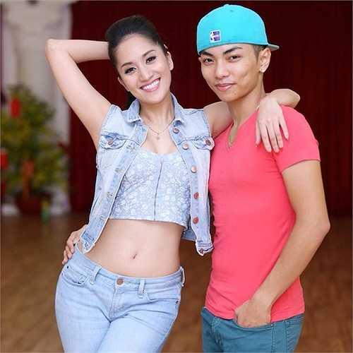 Chuyện tình của cả hai rộ lên khi Khánh Thi chia sẻ rằng cô đang mang thai 6 tháng cách đây không lâu.
