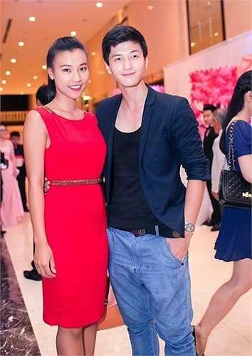 Huỳnh Anh và Hoàng Anh (hơn nhau 2 tuổi) công khai tình cảm hồi năm 2014.