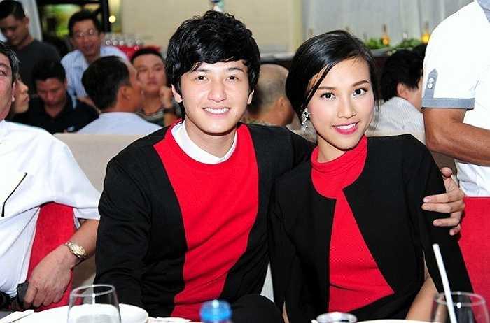 Cả hai thường xuyên mặc đồ đôi đi sự kiện khiến khán giả thích thú.