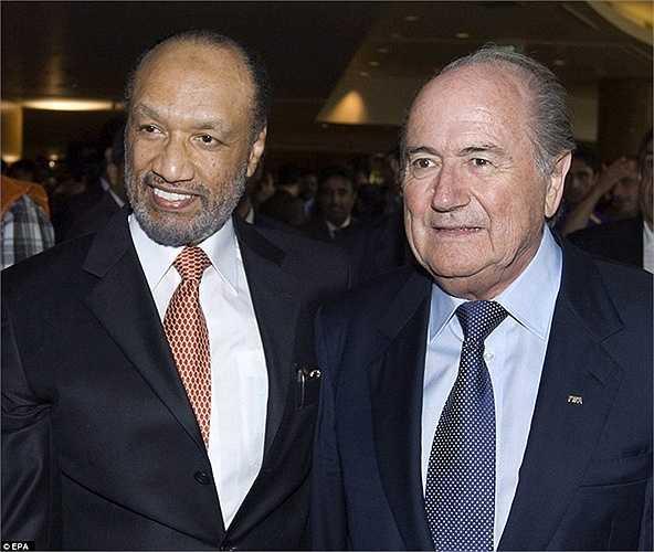 Năm 2011, Sepp Blatter đánh bại đối thủ Mohamed Bin Hammam, tiếp tục giữ chiếc ghế cao nhất FIFA nhiệm kỳ thứ 4