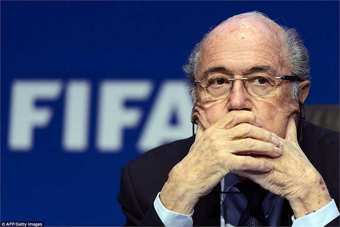 Sepp Blatter hồi hộp chờ kết quả của cuộc bầu cử Chủ tịch FIFA với đối thủ Ali bin al-Hussein cách đây vài ngày