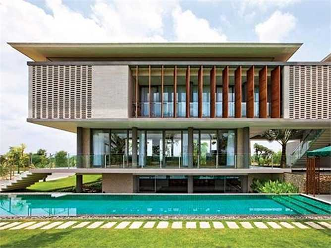 Ngoài ra, lam chắn nắng còn mang lại tính thẩm mỹ cao cho căn nhà.