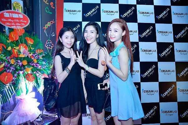 Dàn hot girl Hà Thành rạng rỡ khi tham gia sự kiện