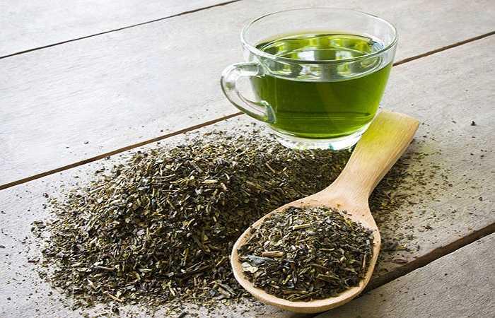 Trà: Uống trà lúc bạn đói không tốt cho dạ dày của bạn chút nào cả. Mặc dù trà xanh có công dụng rất lớn đối với sức khỏe nhưng sẽ phản tác dụng, nếu bạn uống trà với cái bụng trống rỗng  sẽ làm giảm chức năng tiêu hóa, và dẫn đến hiện tượng 'say trà' có biểu hiện chóng mặt, nhức đầu, mệt mỏi, đứng có cảm giác quay cuồng.