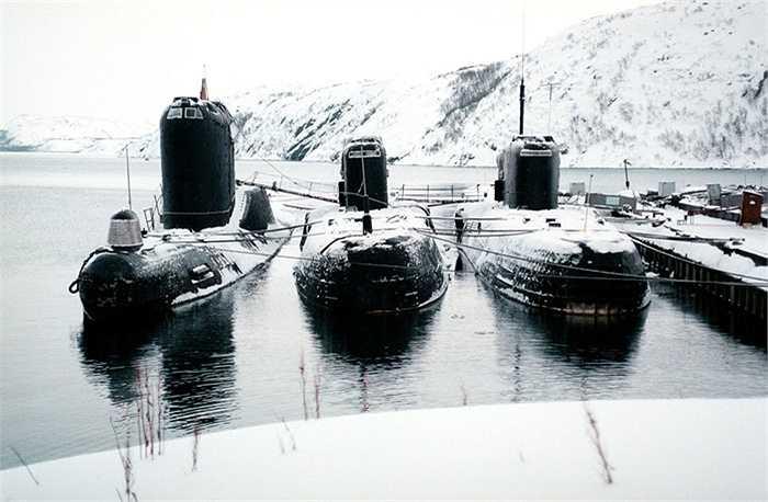 Các tàu ngầm diesel của Hạm đội phương Bắc ở Severomorsk