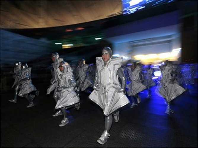 Lễ khai mạc SEA Games 28 có sự tham gia của khoảng 5000 diễn viên và tình nguyện viên