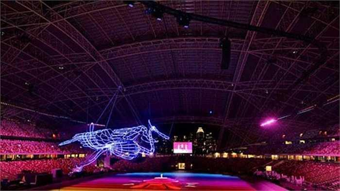Nhìn tổng thể từ trên cao, sân vận động chính nơi diễn ra lễ khai mạc thật lung linh dưới ánh đèn laser
