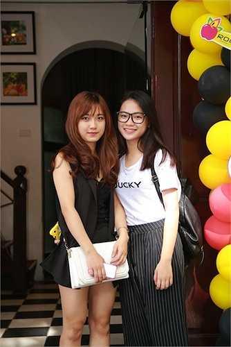 Hot Vteen 2014 Phan Nguyễn Quỳnh Hương (phải).