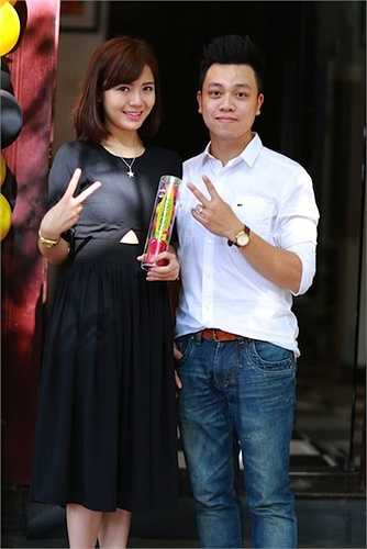Anh Anh Đức chủ nhân của bữa tiệc táo đỏ và hot girl Tú Linh
