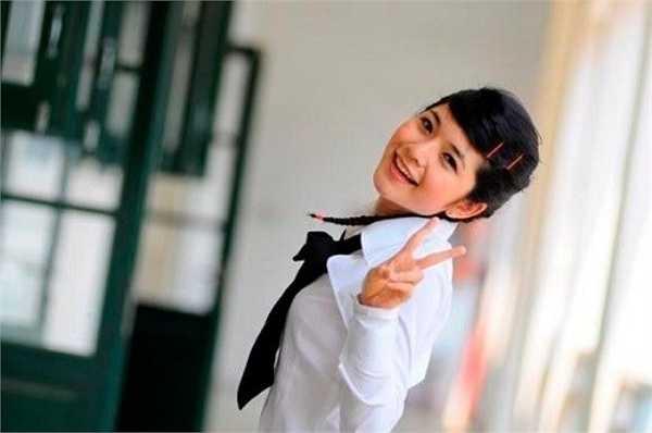 Được mọi người biết đến với bộ phim sitcom Bộ tứ 10A8, thế nhưng sau Bộ tứ 10A8, diễn viên Mai Chi đột ngột rút lui khỏi showbiz.