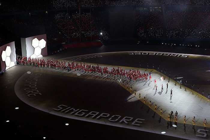Đi cuối cùng là đoàn chủ nhà Singapore với lực lượng hùng nhất SEA Games 28.