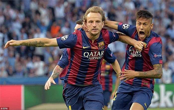 Ivan Rakitic là sự thay thế hoàn hảo Iniesta tại Catalan. Anh ghi bàn mở tỷ số cho Barca