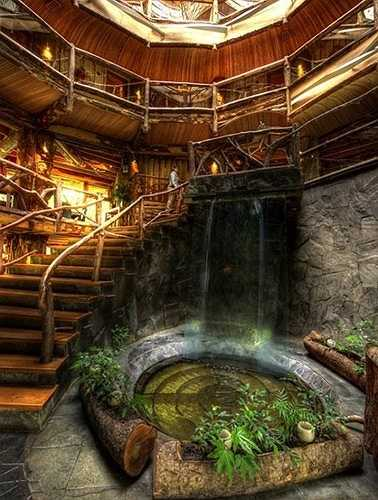 Trong thiết kế, các kiến trúc sư tư vấn hồ nước nên được thiết kế mềm mại, tự nhiên. Nước trong hồ lưu thông để mang lại sự sinh động, không nên để hồ tù đọng trong nhà.