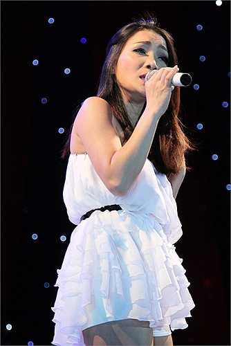 Hồng Ngọc trình bày thêm 2 ca khúc riêng theo yêu cầu của khán giả