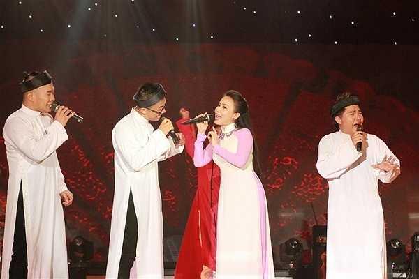 Nói đến MTV thời kỳ đầu tiên không thể không nhắc đến nam ca sĩ Phan Đinh Tùng – cựu thành viên của nhóm. Dù đã không còn hoạt động chung nhưng mỗi khi bước lên sân khấu, Phan Đinh Tùng và các thành viên còn lại của MTV vẫn biểu diễn rất ăn ý với nhau như thưở ban đầu.