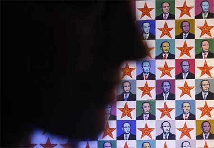 Hình ảnh Tổng thống Nga Putin xuất hiện trên khắp các đường phố.