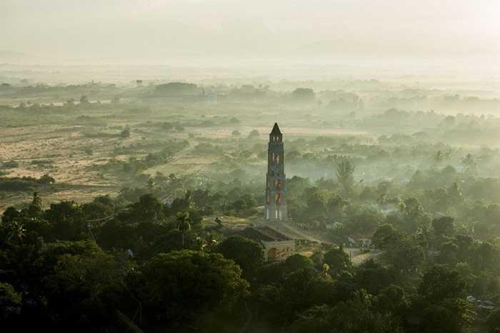 Còn thành phố Baracoa, Guantanamo thì đẹp hoàn hảo và quy củ theo lời của người thực hiện bộ ảnh