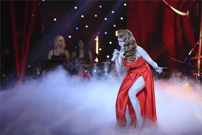 Vì việc cover một tác phẩm của huyền thoại Whitney Houston đòi hỏi một trình độ thanh nhạc và một vốn sống nhiều hơn.