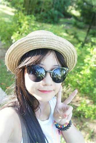 Em gái á hậu Thùy Trang là Đặng Trang Anh, cũng từng khiến dư luận 'chao đảo' bởi vẻ ngoài xinh xắn, đáng yêu