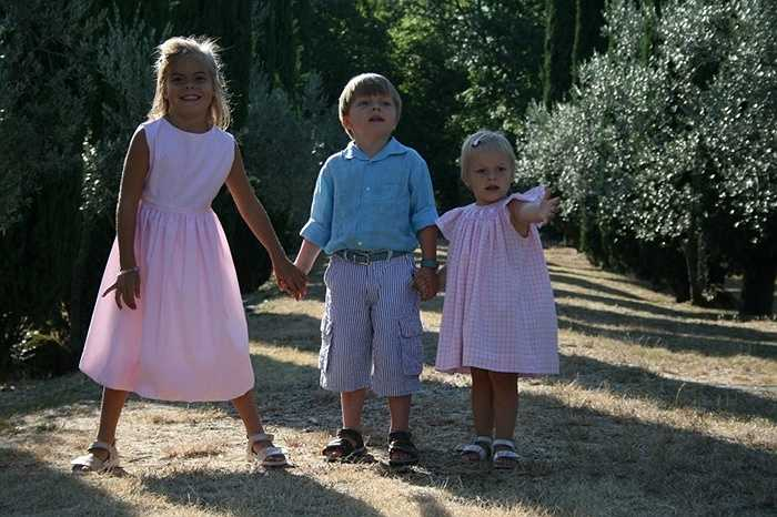 10. Eloise, Claus-Casimir và Leonore (Hà Lan) lần lượt là con thứ năm, thứ sáu và thứ bảy của hoàng tử Constantijn và công chúa Laurentien. Những đứa trẻ này luôn xuất hiện cùng nhau, rất vui vẻ và dễ thương.