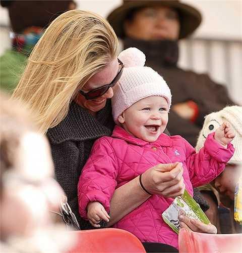 8. Isla Phillips (Anh) là cháu thứ hai của Công chúa Anne- con gái duy nhất của Nữ hoàng Elizabeth II.
