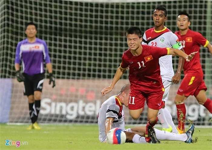 Thậm chí, U23 Đông Timor vẫn còn cơ hội vào bán kết nếu thắng U23 Việt Nam. Chính vì thế, đội bạn đã chọn lối đá khá rắn, quyết liệt trước các học trò HLV Miura