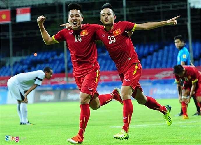 Phút 61, Huy Toàn ghi bàn thắng cuối cùng, ấn định chiến thắng 4-0