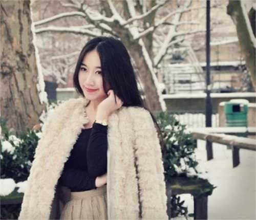 Trường mà Dương đang học là một ngôi trường của Ý có cơ sở tại London, Milan, Paris và Thượng Hải.