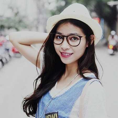 Đặng Mỹ Hương là nữ sinh vừa đạt giải Nhất cuộc thi Miss Vietnam-New York qua ảnh, cuộc thi được hội SV Việt Nam tại New York tổ chức nhằm gắn kết các sinh viên Việt Nam lại với nhau.