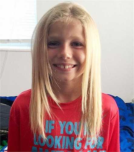 Năm 6 tuổi, Christian McPhilamy sống tại Florida, Mỹ khi đang xem TV thì tình cờ cậu nhìn thấy hình ảnh về những bạn nhỏ bị ung thư tại Bệnh viện St. Jude. Đoạn phim đã truyền cảm hứng cho Christian nuôi tóc dài.