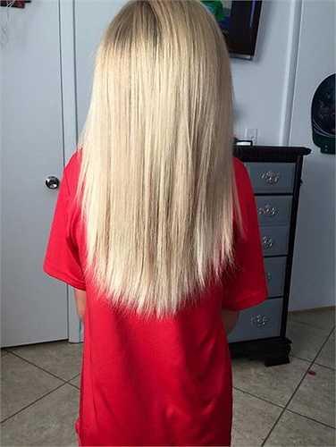 Khi bắt đầu để tóc dài, Christian thường xuyên bị các bạn trêu vì nuôi tóc dài như con gái. Nhưng cậu bé đã bỏ qua tất cả để thực hiện mong muốn của mình trong 2 năm rưỡi.