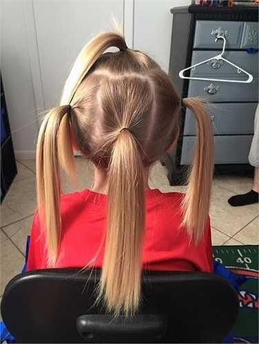 'Một số người cố tình gọi cháu là con gái nhưng cháu vẫn nuôi tóc', Christian chia sẻ.