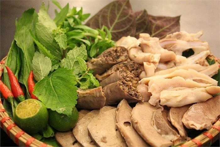 Theo nghiên cứu mới nhất của Bệnh viện Chang Gung Memorial Đài Loan, nội tạng lợn, trâu, bò… có chứa chất cadmium, một loại chất có thể gây vô sinh nếu kết hợp với những người nghiện hút thuốc lá.