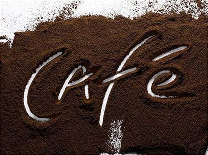 Các chuyên gia Trường Đại học Bradford (Anh) và California (Mỹ) cho rằng: Nam giới uống quá nhiều cà phê sẽ làm tinh trùng giảm cả về số lượng lẫn chất lượng so với những người đàn ông khác không uống hoặc uống ít cà phê.